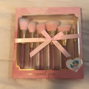 SL Miss Glam Mermaid Glam Brush Set-Brand New